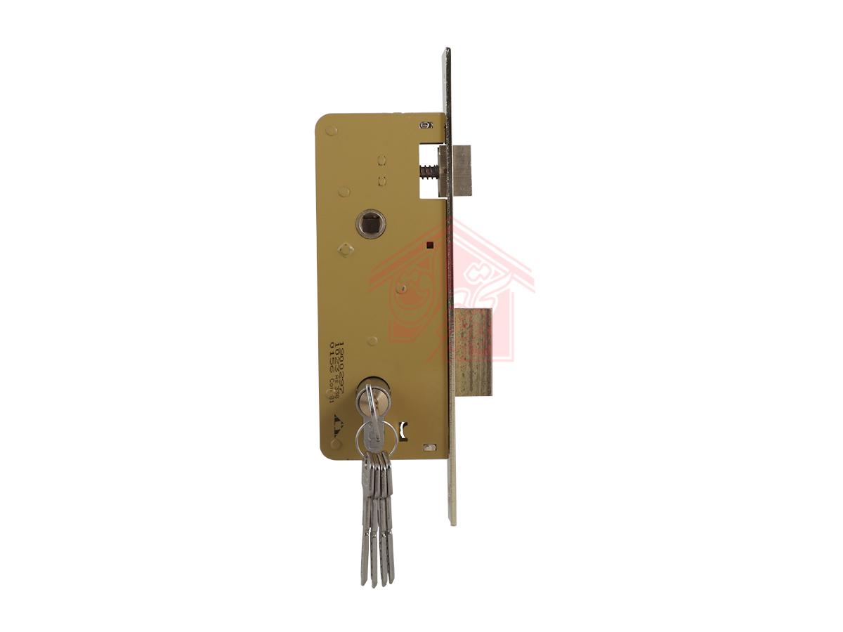 نمای پهلو قفل درب سویچی 6.5 سانت دلتا همراه با سیلندر